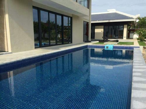 海南三亚会所室外泳池及SPA池恒温泳池工程