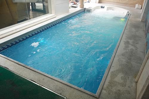 广州金沙洲保利西海岸别墅一体化恒温泳池工程