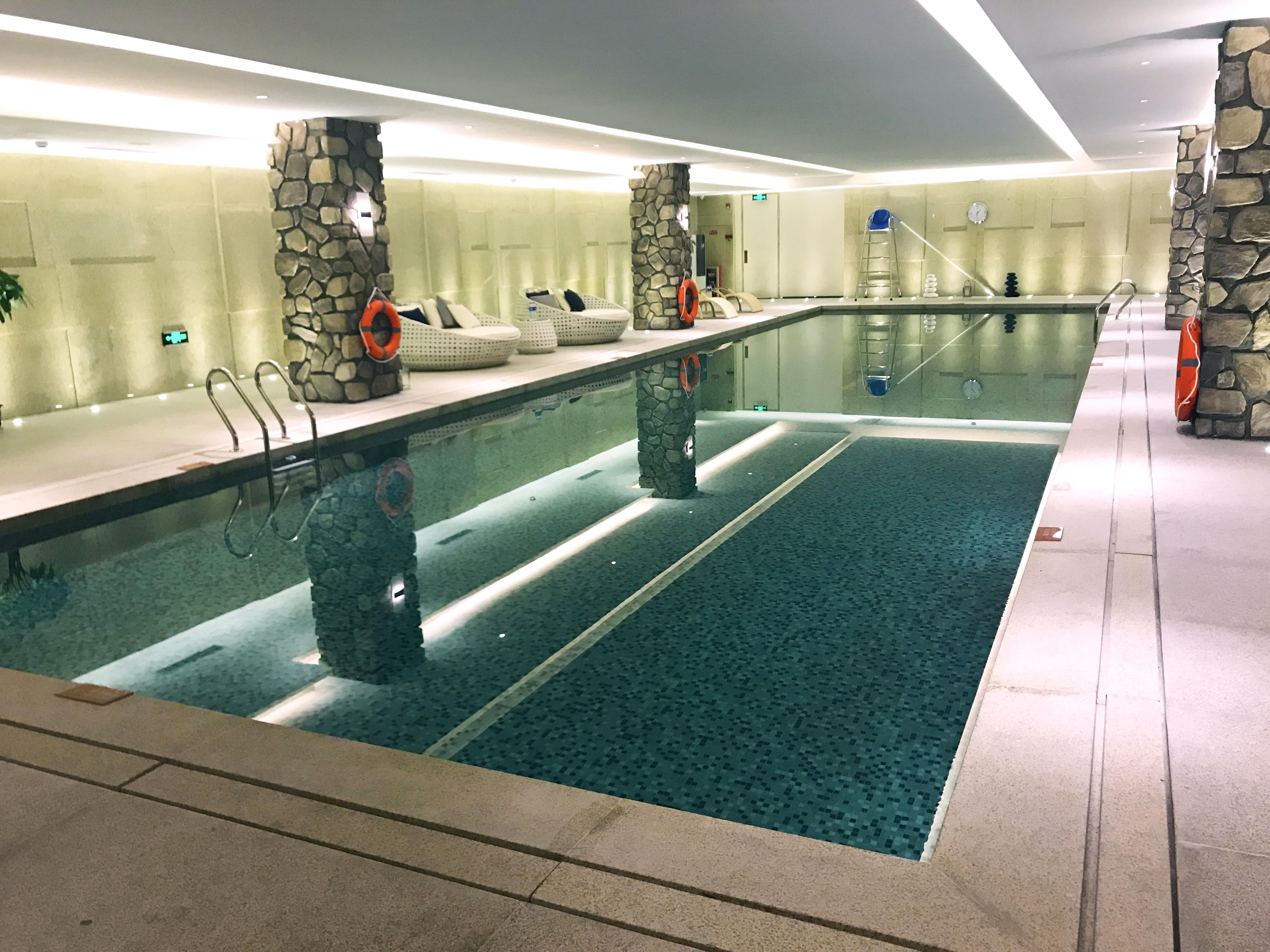 广州穗和瑞斯丽酒店恒温泳池工程